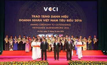 Traphaco CEO Tran Tuc Ma named among top 100 Vietnamese entrepreneurs 2016
