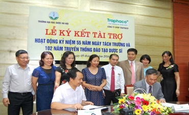 Traphaco continues sponsoring Hanoi University of Pharmacy's activities